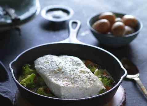 Ovnsbakt kveite med grønnsaker og potet oppskrift.