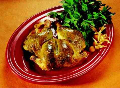 Utbrettet kylling med korianderpesto oppskrift.