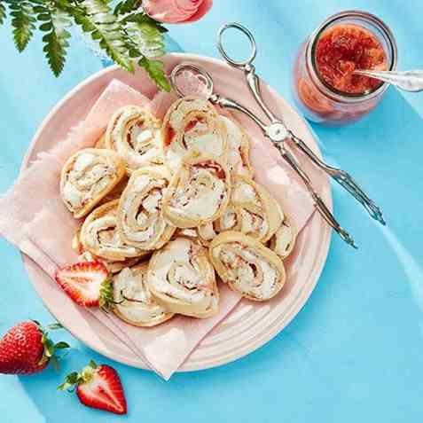Jitterbuggere med jordbær- og rabarbrakompott oppskrift.