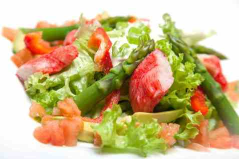 Salat med LobNobs og avokado oppskrift.