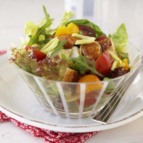 Kyllingsalat til lunsj oppskrift.