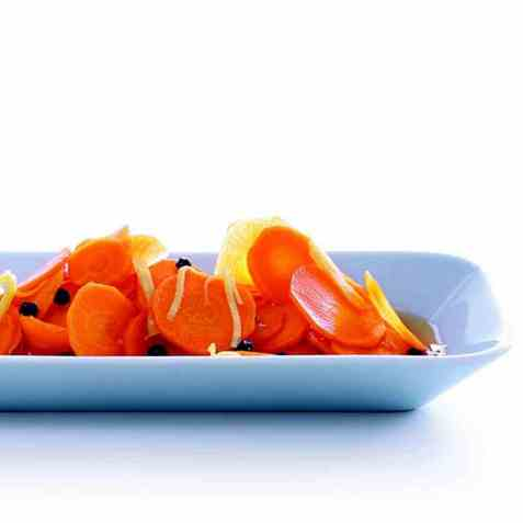 Ingefærmarinerte gulrøtter oppskrift.