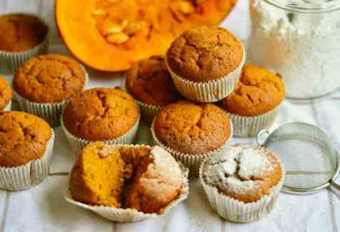 Muffins with Oatmeal.