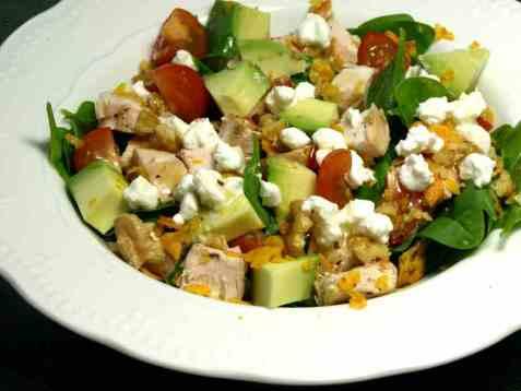 Spinatsalat med kylling og cottage cheese oppskrift.