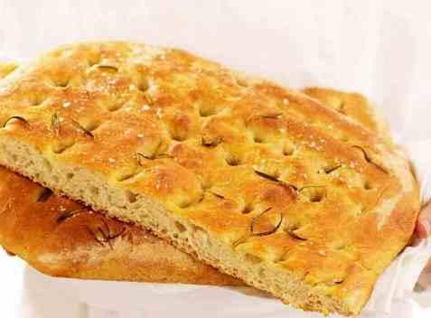 Toscanskt brød med soltørkede tomater oppskrift.