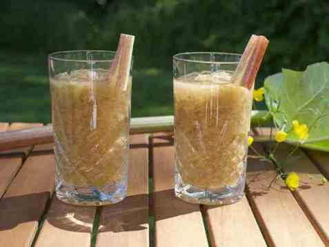 Mocktail med rabarbra oppskrift.