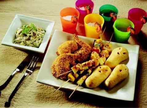 Stekte kyllinglår med pastasalat oppskrift.