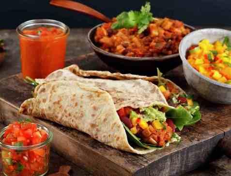 Kjøttfri taco i hjemmelagde lomper oppskrift.