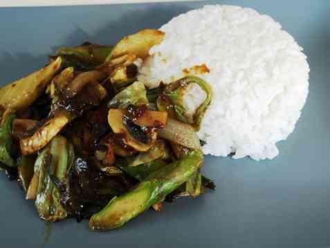 Grønn wokpanne m/asparges oppskrift.