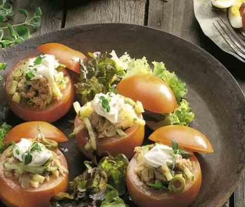 Dagens oppskrift er Bifftomater med tunfisksalat.