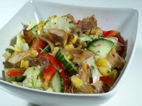 Kyllingsalat med dressing oppskrift.