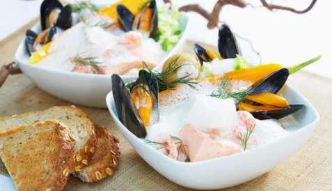 Fiskesuppe med skalldyr oppskrift.