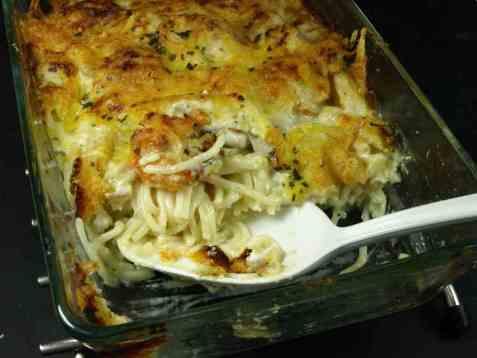 Spaghetti med fisk og asparges oppskrift.