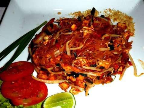 Thai nudelsalat oppskrift.