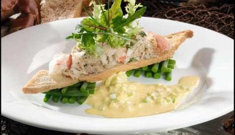 Prøv også Krabbesalat med aspargesbønner og safransaus.