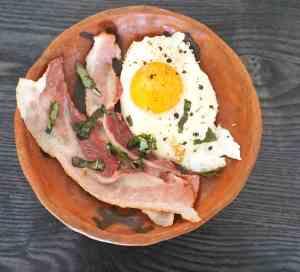 Egg og bacon til frokost